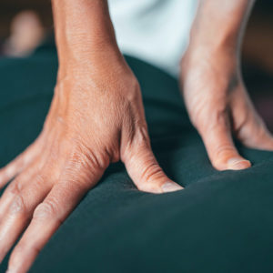 Dunya-masaje-espalda-shiatsu